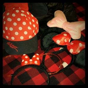 Original Minnie Mouse hat and ears.